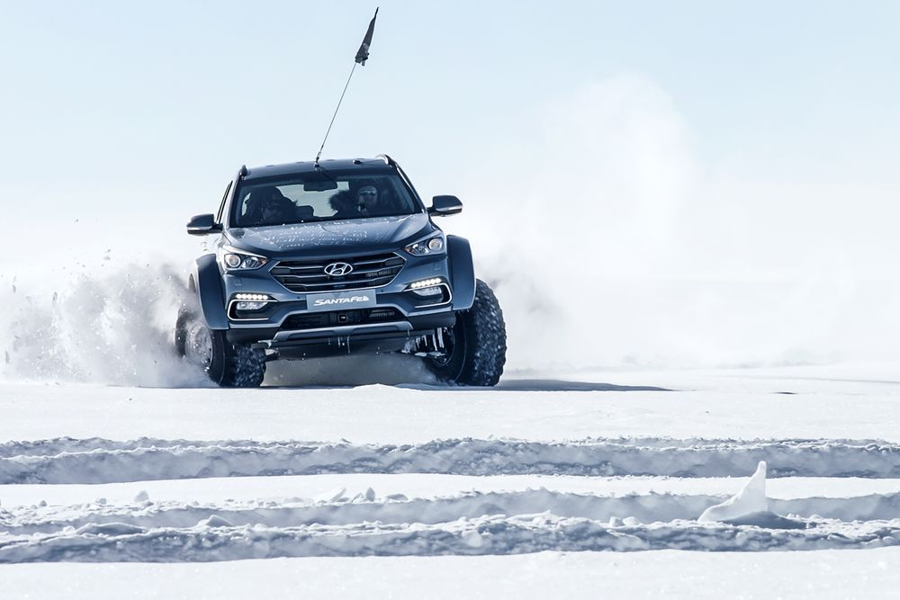 Hyundai - Hyundai Has Crossed The Antarctic In A Mostly Standard Santa Fe - News