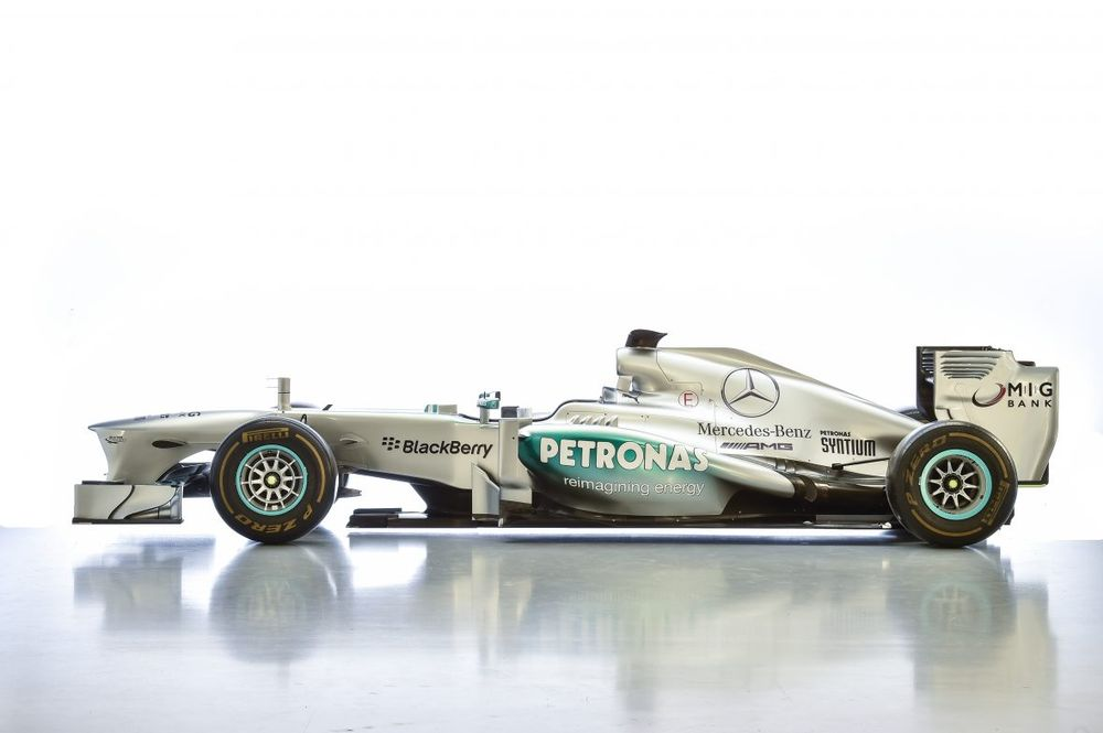 Lewis Hamilton\'s Old Mercedes W04 F1 Car Is Up For Sale