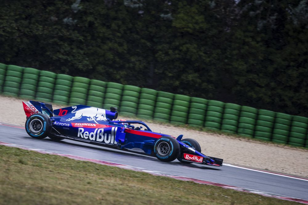 (C) Red Bull Content Pool