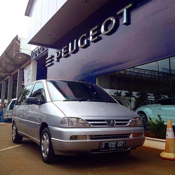 Rangga bena on car throttle for Garage peugeot 76