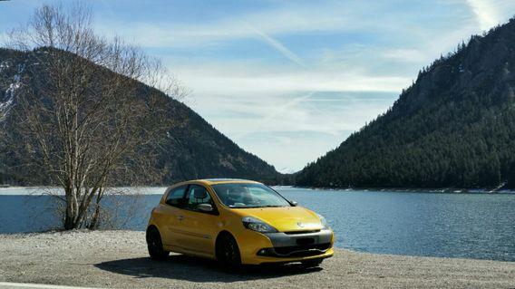 Renault Clio MK3/4 Forum - Car Throttle