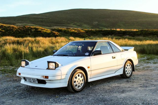 7 Of The Coolest Retro Rides You Can Buy For Under 3000