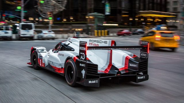 Porsche Here S The 919 Tribute Casually Cruising Streets Of New York Motorsport