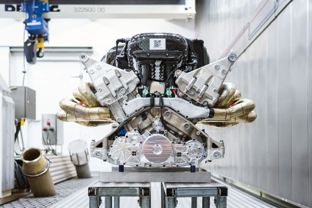 Here S An Even Better Video Of Aston Martin Valkyrie Making Shouty V12 Noises