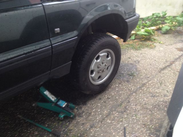 How to change the front air spring on my Range Rover p38