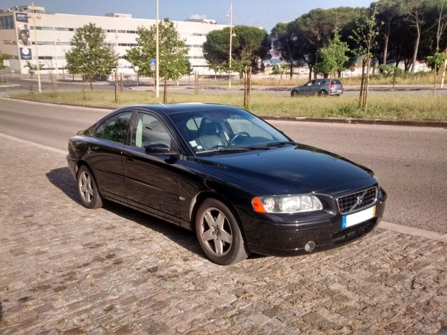 Volvo S60 - with the old D5 engine, this is the best car I