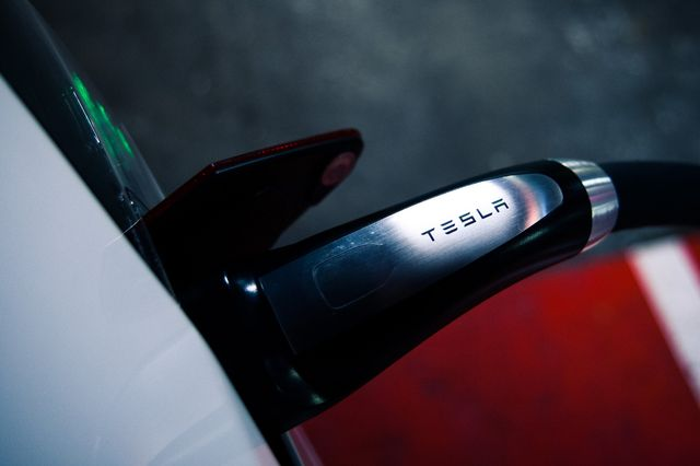 Tesla's New Supercharger Can Deliver 1000 Miles Of Juice In