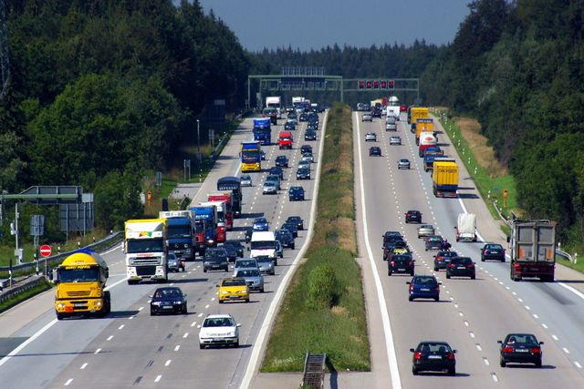 5 REASONS WHY WE GERMANS HATE OUR FAMOUS AUTOBAHN
