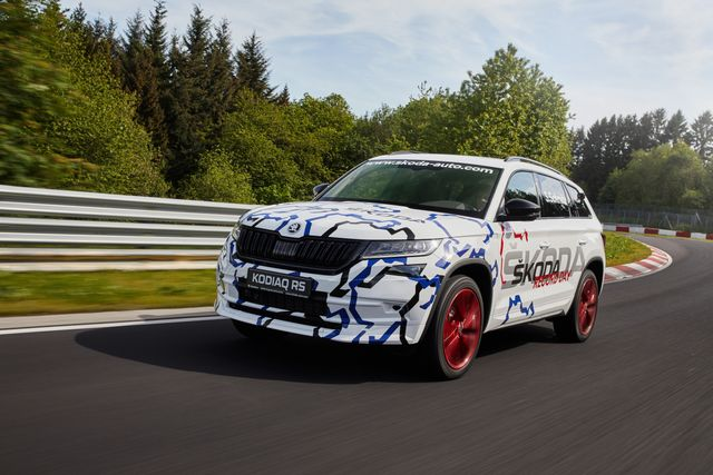 There's Now A Nurburgring Lap Record For Seven-Seaters