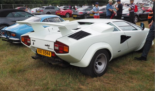 Lamborghini Countach 5000 Quatrovalvole And Original Alpine A110