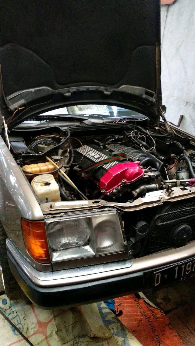 1988 Mercedes Benz W124 300E