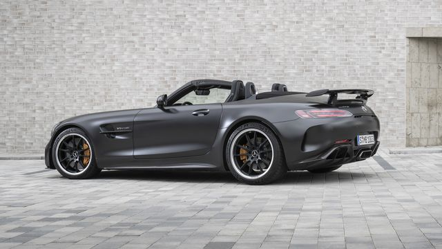 The Mercedes Amg Gt R Roadster Is 30 000 More Expensive Than The Coupe