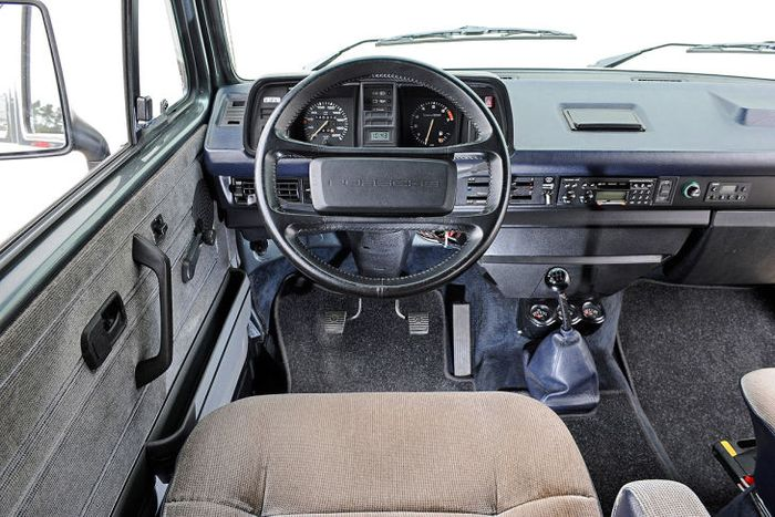 The Porsche B32 Is The Coolest 911-Engined Van You Never