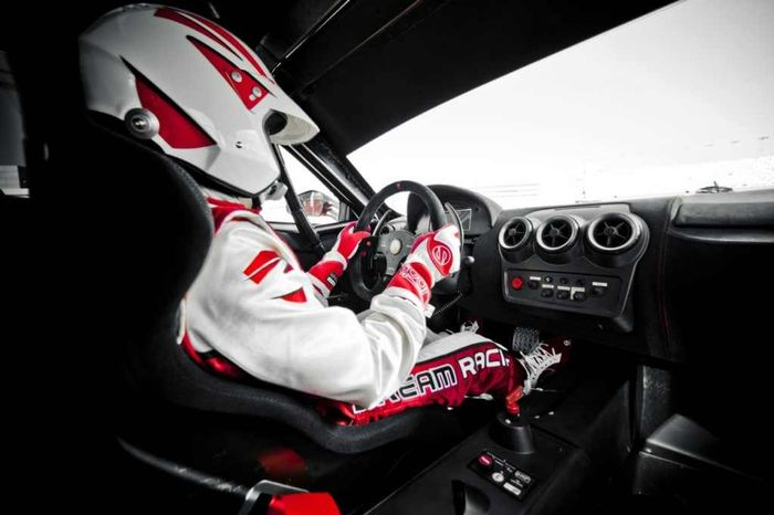 Driving Racing Car >> 6 Quick Tips To Make You A Better Track Day Driver