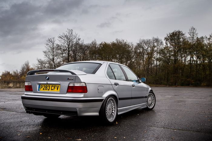 i drove every bmw m3 generation in one day and now i m in love with rh carthrottle com bmw e36 m3 automatic to manual swap e36 m3 manual swap diy