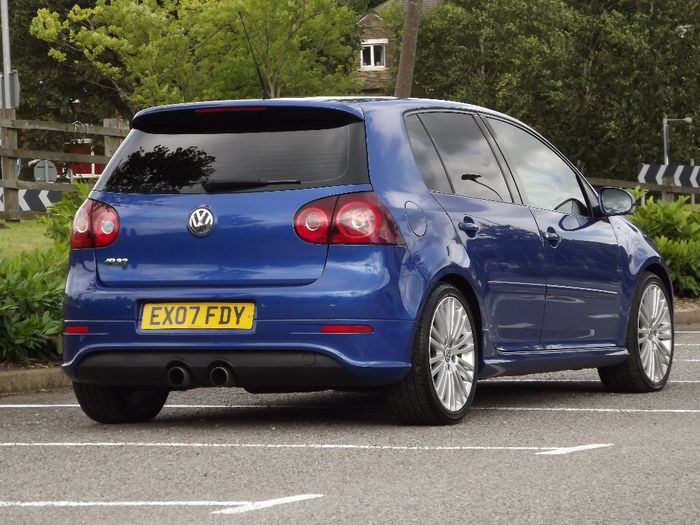 right now all i want to do is buy this vw golf r32. Black Bedroom Furniture Sets. Home Design Ideas