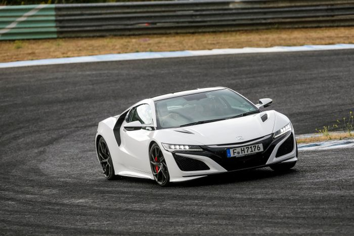 Honda Nsx Review The Spectacularly Geeky Supercar I D Have Over An