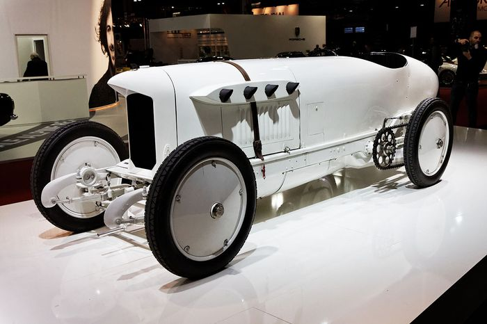 8 Crazy Cars With Ludicrously Large Engines