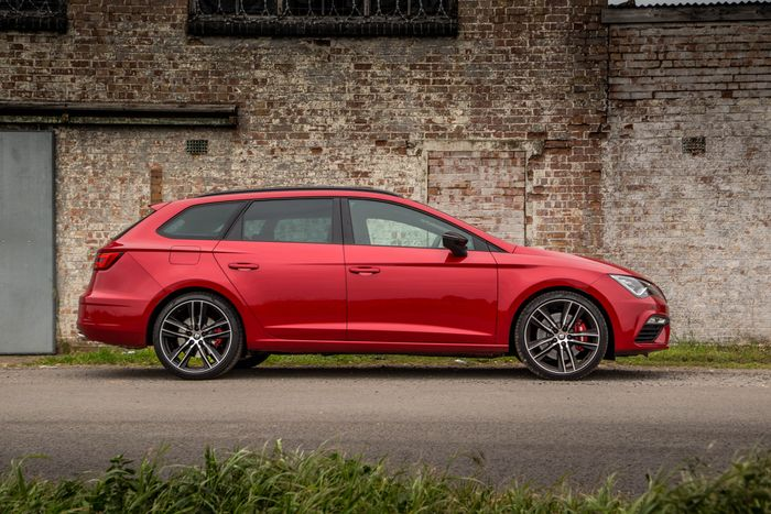 seat leon cupra 300 4wd review why i d rather stick with. Black Bedroom Furniture Sets. Home Design Ideas