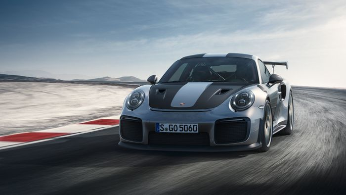 Leaked - Porsche 911 GT2 RS in first official images