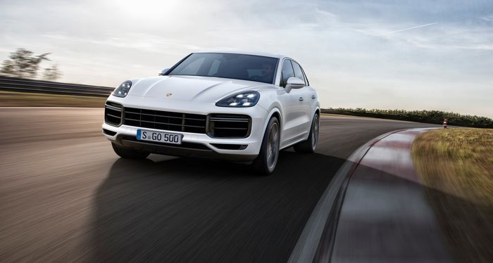 The New Porsche Cayenne Turbo Accelerates As Quickly As A Manual GT3