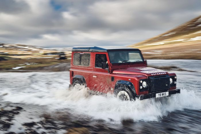 Land Rover Defender returns to the U.S. , and that's awesome as hell