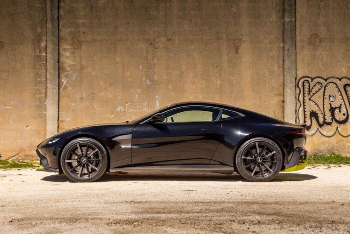 Aston Martin Vantage Review Still Want A Porsche - 2018 aston martin vantage