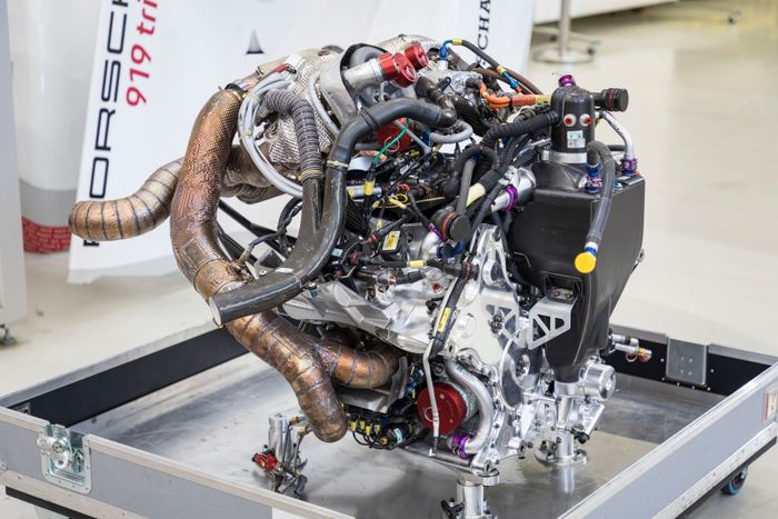 The Turbocharged 2 0 Litre V4 Engine Is Small In Stature But On Wec Spec It Pumped Out 500bhp Add From Hybrid System And