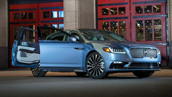 Lincoln Continental Coach-Door Edition unveiled