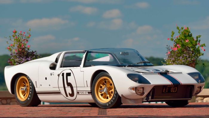 The Ford Gt Is Famously Not A Car Thats Particularly Friendly For Tall People The  Bit Of The Name Refers To Pub Fact Time The Height Of The