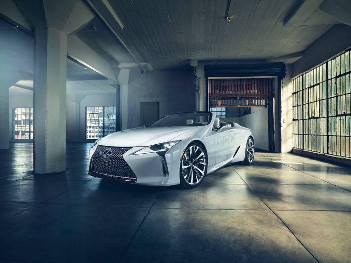 Lexus clips roof off hot coupe for LC Convertible Concept
