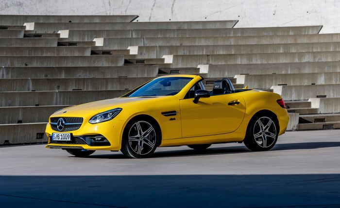 Mercedes SLC roadster rides into the sunset with Final Edition