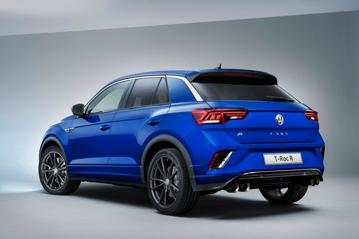 Volkswagen Reveals 296-HP T-Roc R for Geneva