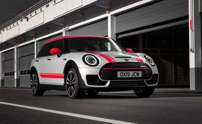 The Mini Clubman And Countryman Jcw Each Now Pack A 302bhp Punch