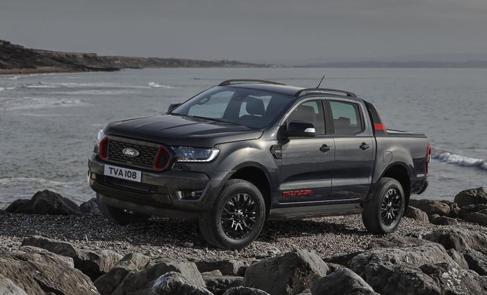 The New Ford Ranger Thunder Has A Raptor Engine