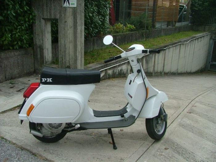 Who remember his first wheels? This is mine, a '87 Piaggio