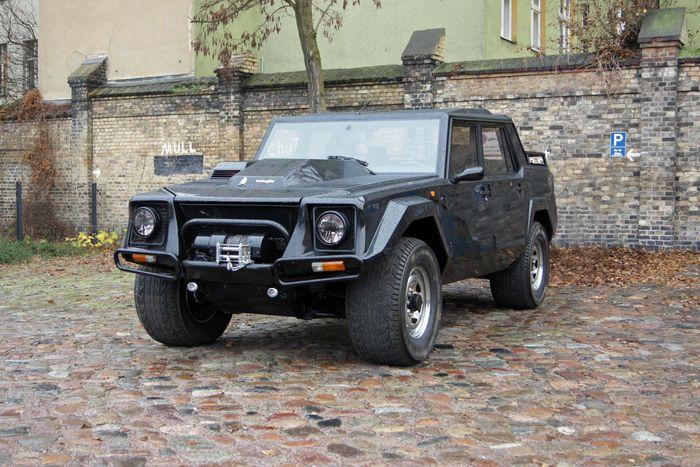 Lamborghini lm002 mpg