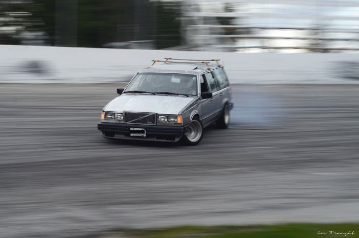 Volvo wagon drift