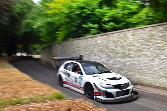 Last weekend saw Olly Clark and Gobstopper II make yet another successful assault on Goodwood's famous hill