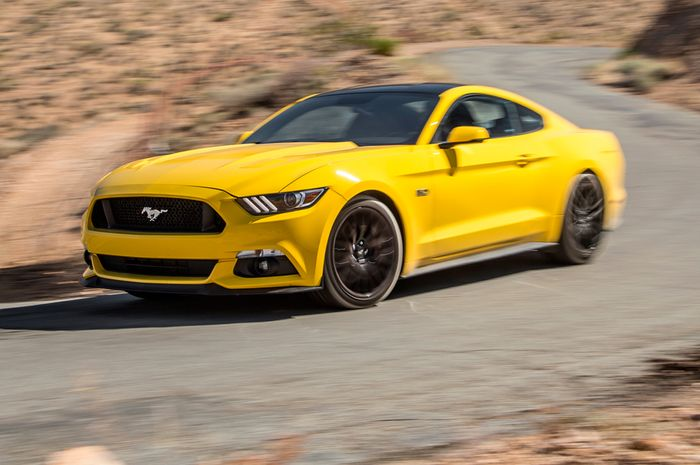 Photo Courtesy of MotorTrendu0027s Website - //.motortrend.com/news/2016-ford-mustang-gt-first-test-review/#2016- ford-mustang-gt-mt-homepage & The Ford Mustang - A Pony Car No Longer? markmcfarlin.com