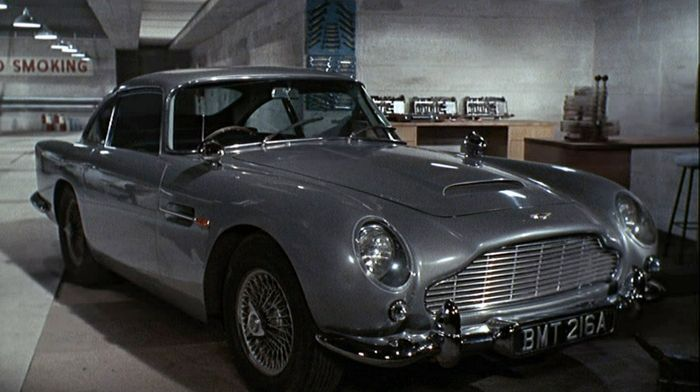 7 awesome movie cars from non car themed movies