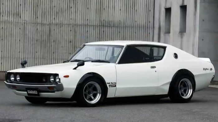 10 non-american muscle cars