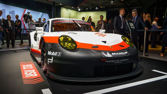 The 2017 Porsche 911 Rsr And How Its Mid Engine Conversion Is Legal