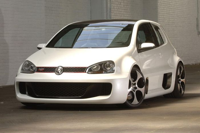 meet the craziest golf ever the golf gti w12 650. Black Bedroom Furniture Sets. Home Design Ideas