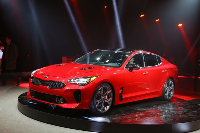 there 39 s potentially a big problem in europe for the stunning kia stinger. Black Bedroom Furniture Sets. Home Design Ideas