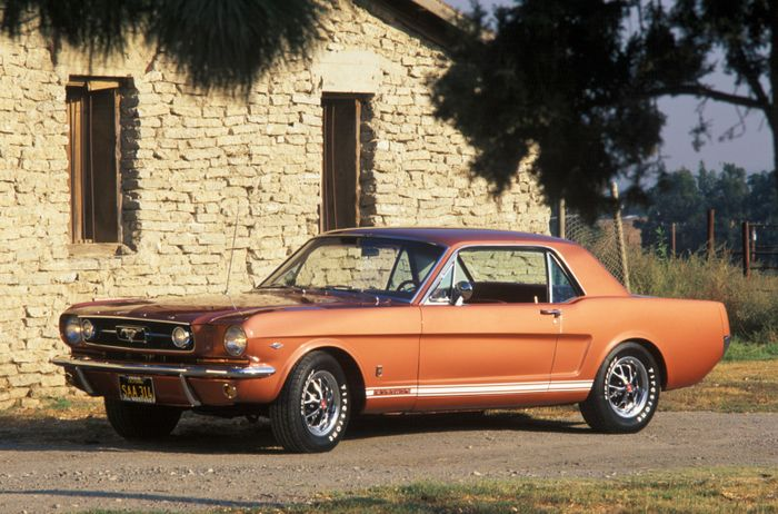 What S The Difference Between A Muscle Car And A Pony Car