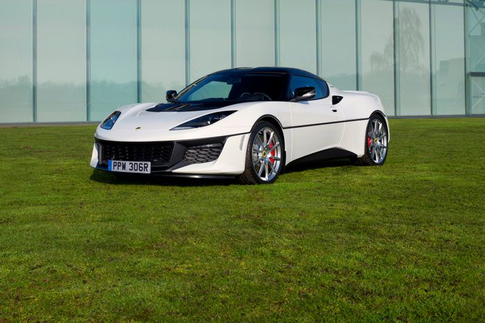 Lotus creates Evora Sport 410 inspired by James Bond's Esprit