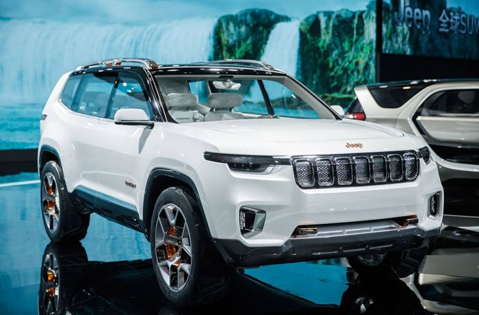Jeep Cherokee Third Row >> Jeep grand wagoneer 2019 may be based on the yuntu concept