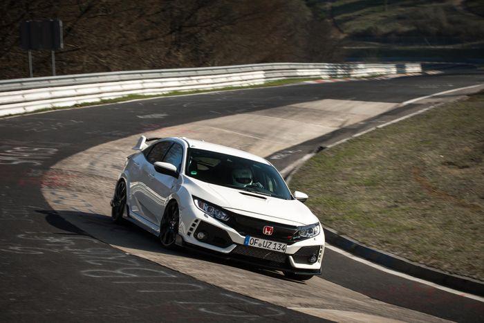 Honda Civic Type R sets front-wheel drive lap record at Nurburgring