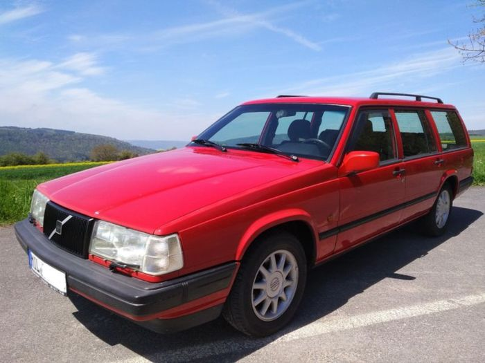My Buddy is selling his Volvo 940 station wagon: